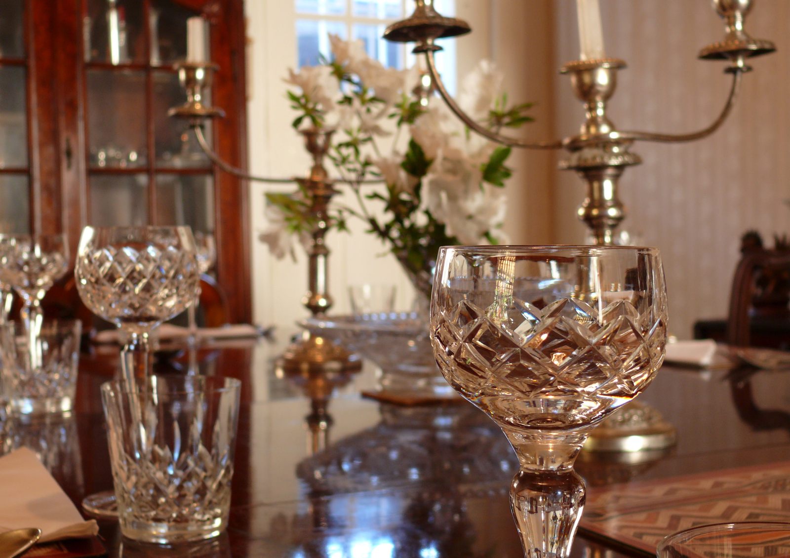Dinner Party Playlist creating the ultimate dinner party playlist | the district homes blog